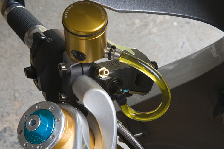 Brembo Rcs Master Cylinders W Rizoma Reservoirs Ducati